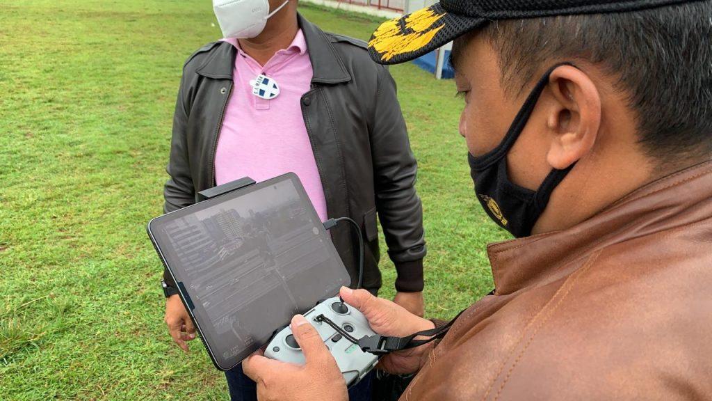 Marsma Fajar Adriyanto melakukan test terbang di Aldiron